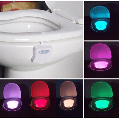 Lu Tidur Sensor Cahaya Model Jamur coversage lu toilet sensor 8 warna white jakartanotebook