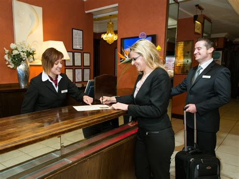 how can you be to book a hotel room travel smartcars inc chicago corporate limo company