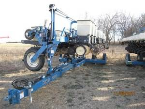 Kinze Planters For Sale by 1999 Kinze 2600 Planter For Sale At Equipmentlocator