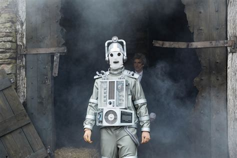 dr who the master and the cybermen in the doctor falls