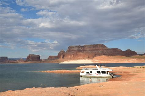 boat rental page az wahweap marina houseboat and watercraft rentals in page