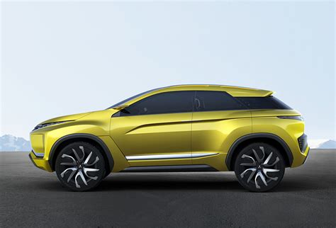 mitsubishi crossover 2015 mitsubishi will add small crossover to america in 2017