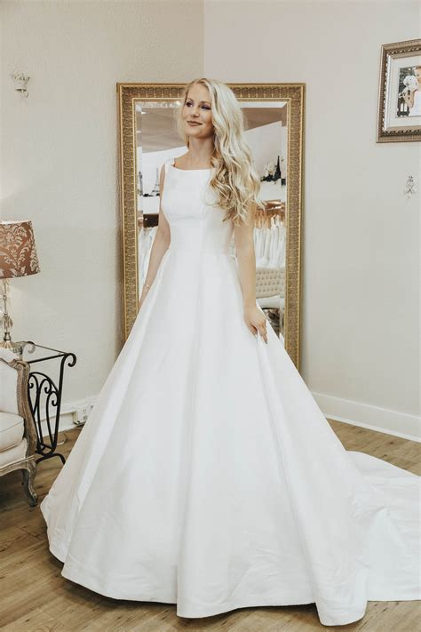 How to Find to Perfect Wedding Dress   The Trendy Tomboy