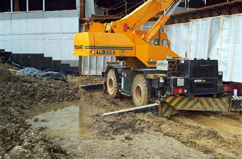 Crane Cribbing by Elcosh Managing Mobile Crane Hazards