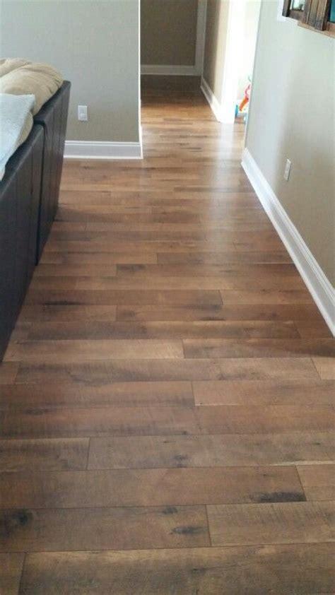 Pergo laminate wood flooring: Crossroads Oak   Kitchen