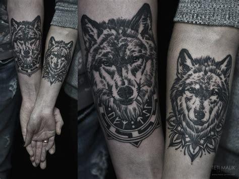 wolf tattoo designs for couples 50 geometric and blackwork wolf tattoos tattoodo