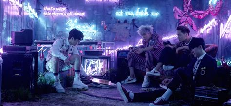 download mp3 exo k love me right exo s love me right is an aesthetic overload seoulbeats