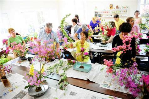flower arranging class japanese flower arranging class