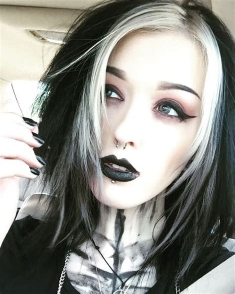 girl hairstyles goth best 25 gothic hairstyles ideas on pinterest goth hair