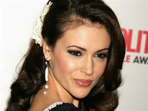 alyssa milano hd wallpaper free wallpapers download