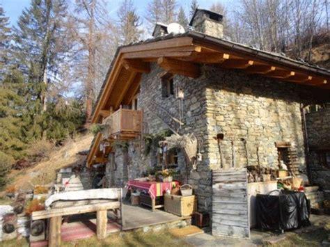 vendo casa aosta rustici e casali in vendita a la salle cambiocasa it