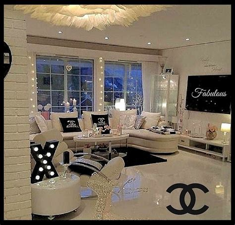 Chanel Bedroom by Best 25 Bedroom Ideas On Glam Room Vanity Ideas And Makeup Room Decor