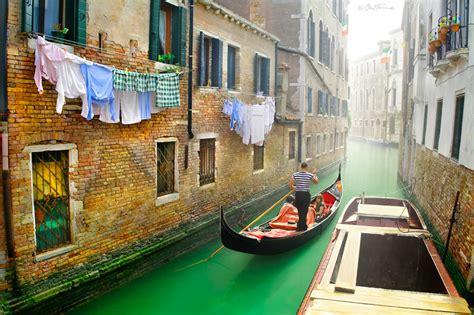 Lukisan Gondola venice italy photo on sunsurfer