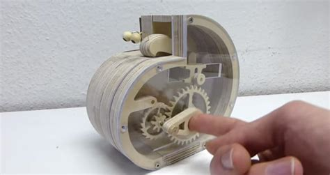 mechanical snail coin bank  kid