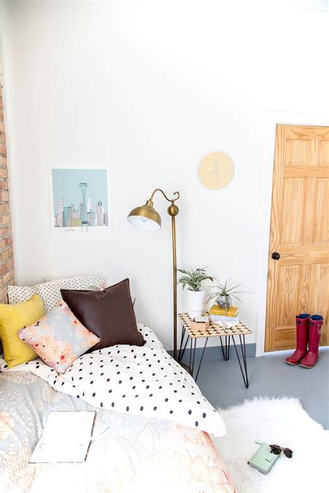 minimalist dorm room dorm room makeover room makeovers dorm and dorm room