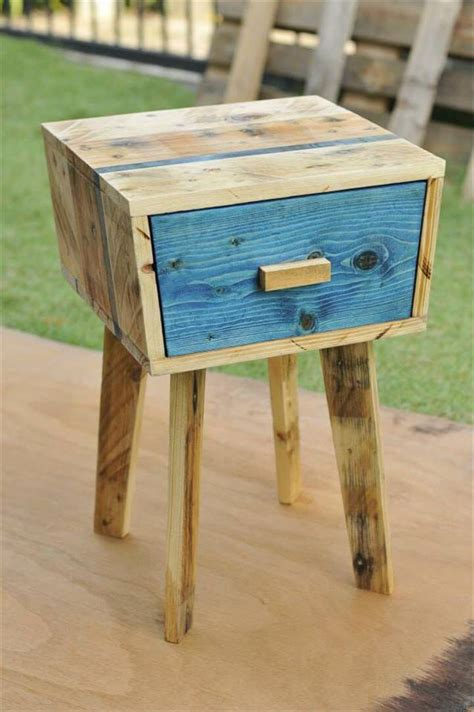 Pallet Side Table Creative Pallet Side Table 99 Pallets