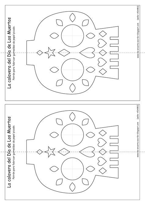 En M 233 Xico Los Personas Utilizan Hojas O Guirlandas De Papel Picado Para Decorar Los Altares Que Free Printable Papel Picado Template