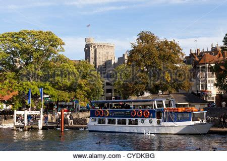 thames river cruise in windsor tourist boat on river thames by st katharine pier by tower