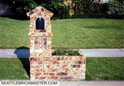 Brick Mailbox With Planter by 14 Best Images About Brick Mailboxes Entrances On