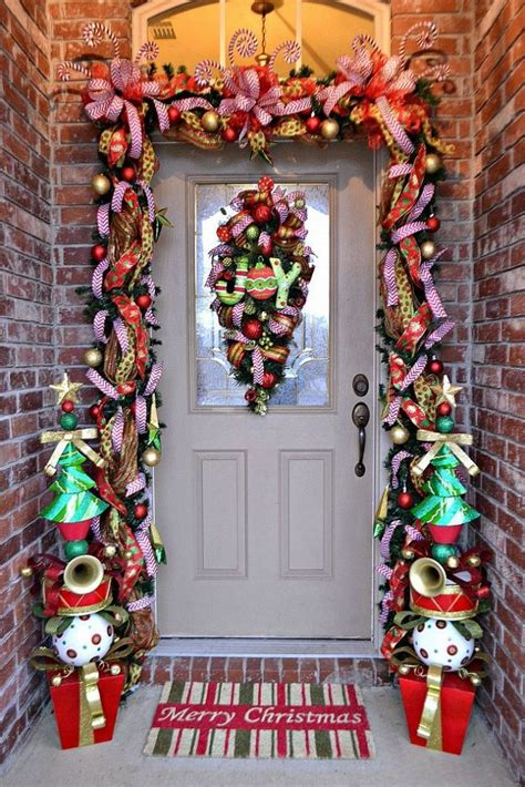 christmas front door decor 38 stunning christmas front door d 233 cor ideas digsdigs