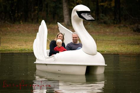 swan boats texas swan paddle boat beaumont texas wedding photographer
