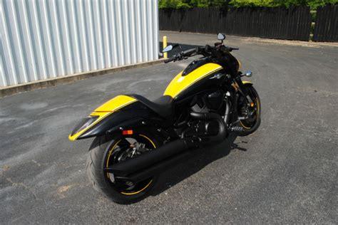 Suzuki M109 2014 Suzuki Boulevard M109 M109r Yellow Black