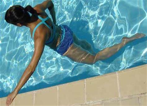 ejercicios de piernas en el agua ejercicios en el agua para el verano aqua