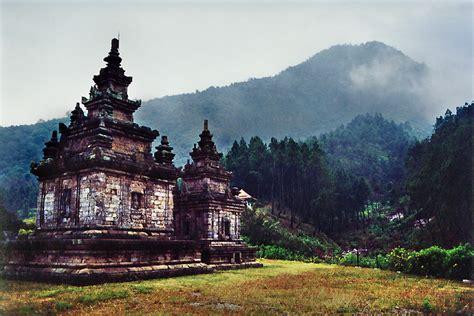 bachrul ulum sanggrahan sejarah kerajaan kutai