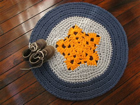 Chompa Handmade - crochet rug with yellow blue and grey t shirt yarn