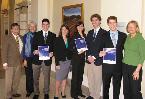 Davenport Executive Mba by Undergraduate Students Collaborate With Emba Student To