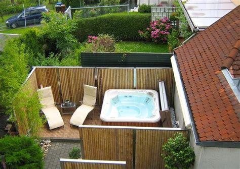 Bambus Zaunelemente Moderner Sichtschutz Gartengestaltung Whirlpool Im Garten L