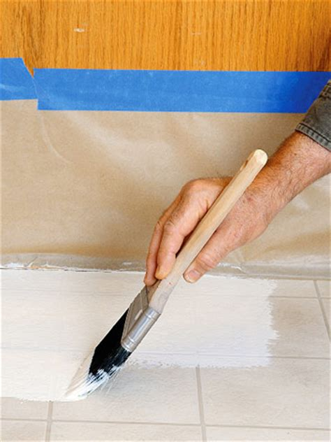 How To Remove Paint From Vinyl Floor by Painting Vinyl Flooring And Ceramic Tile Paint Epoxy