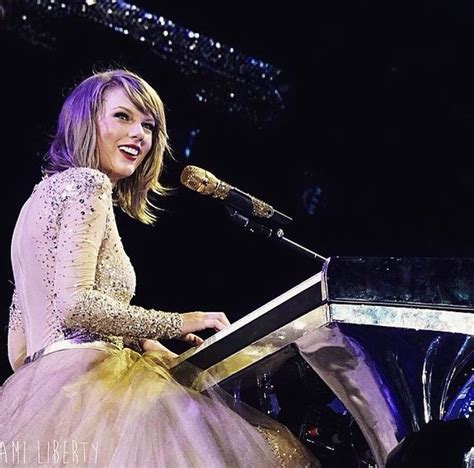 taylor swift enchanted piano taylor swift slays gillette stadium with 1989 world tour