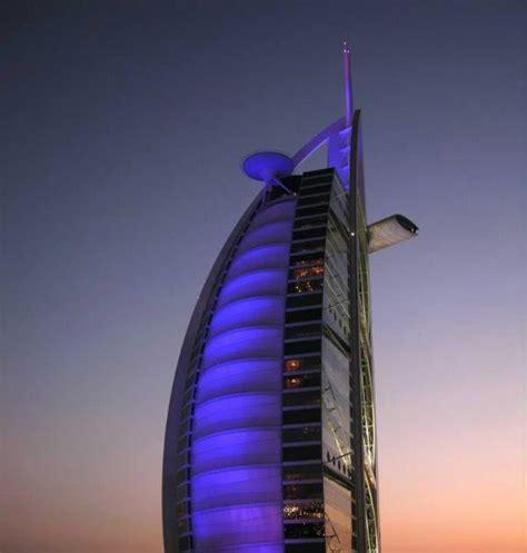 Tapal Kuda N Building Alphabeth tulahan 15 bangunan terindah di dunia