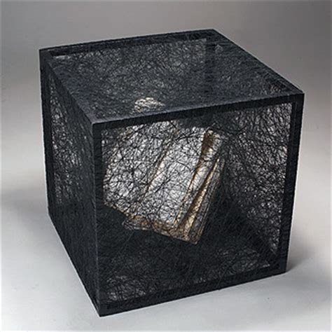 String Book - contemporary installations of chiharu shiota