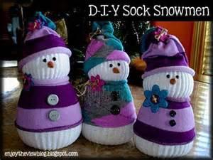 Wonderful diy adorable sock snowmen