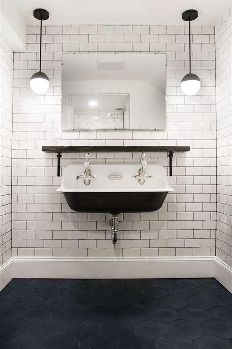 kohler untermount badezimmer sinkt die besten 25 kohler bauernhaus waschbecken ideen auf