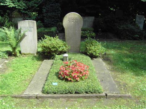 Ist Efeu Winterhart by Friedhofsg 228 Rtnerei K H Haas Grabpflege Grabgestaltung