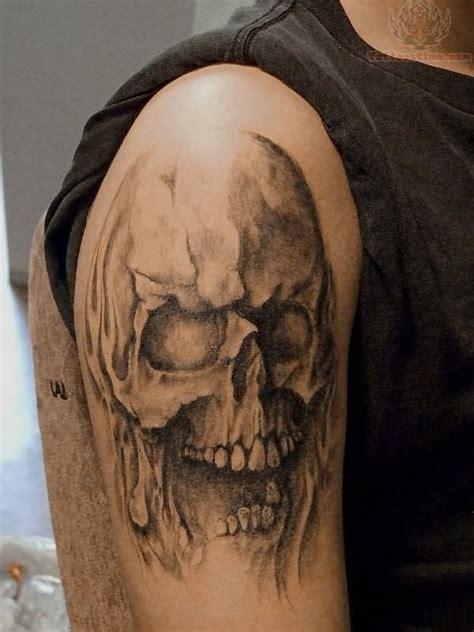 simple skull tattoo designs 21 simple horror tattoos