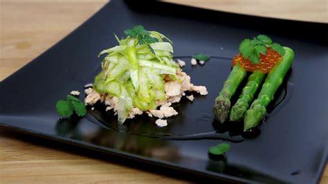 come cucinare asparagi con uova trota affumicata con asparagi e uova di trota