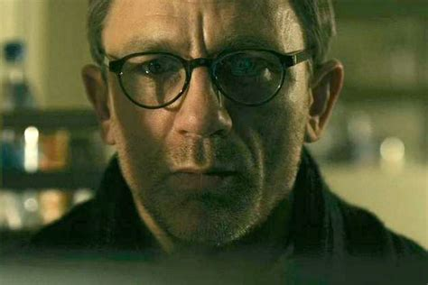 dragon tattoo daniel craig glasses daniel craig wearing mykita helmut glasses in quot girl with