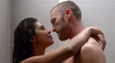 film india hot di ranjang skandal video vulgar video esek esek priyanka chopra dan