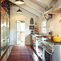 Kitchen Ideas For Small Kitchens Galley by Gallery For Gt Small Apartment Galley Kitchen Ideas