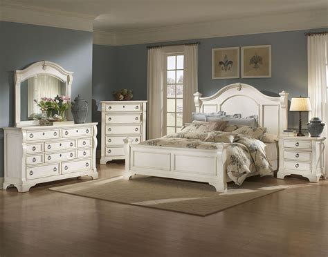 Antique White Childrens Bedroom Furniture by Heirloom White Poster Bed From American Woodcrafters