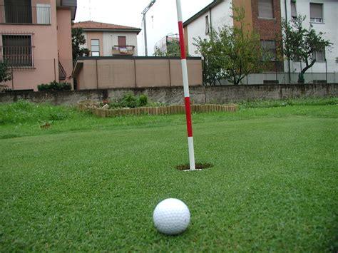 backyard golf greens putting greens com backyard golf green photos