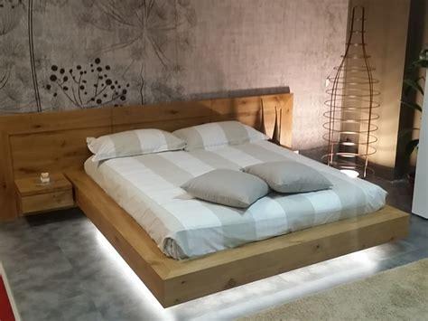 letti in legno massiccio offerta letto in legno massello