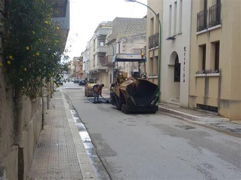 menfi al via interventi di manutenzione stradale menfi menfi al via interventi di manutenzione delle strade