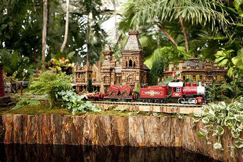 All Aboard The New York Botanical Garden Wag Magazine Trains Botanical Gardens