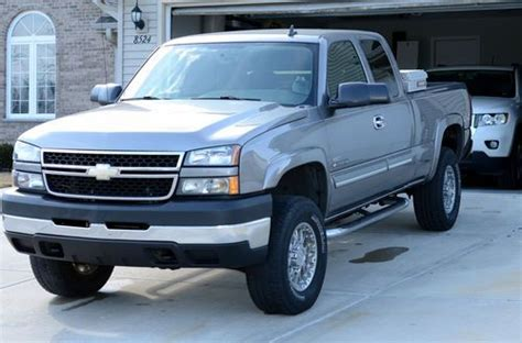 how to sell used cars 2007 chevrolet silverado 1500 free book repair manuals sell used 2007 chevy 2500hd low mileage duramax excellent condition 4x4 lt in kenosha