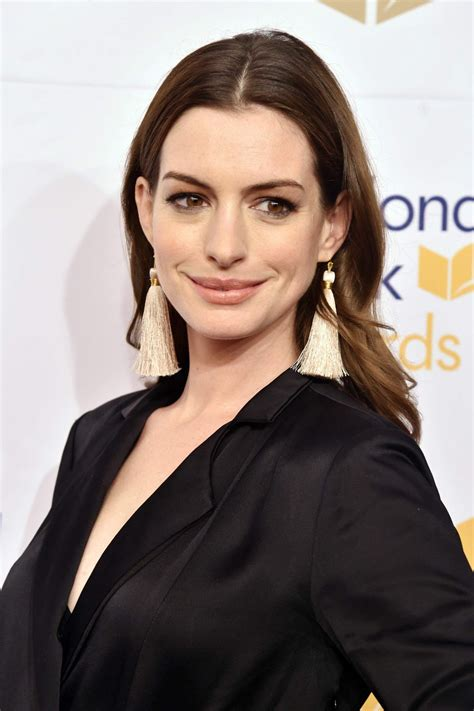 anne hathaway national book awards 2017 in new york city